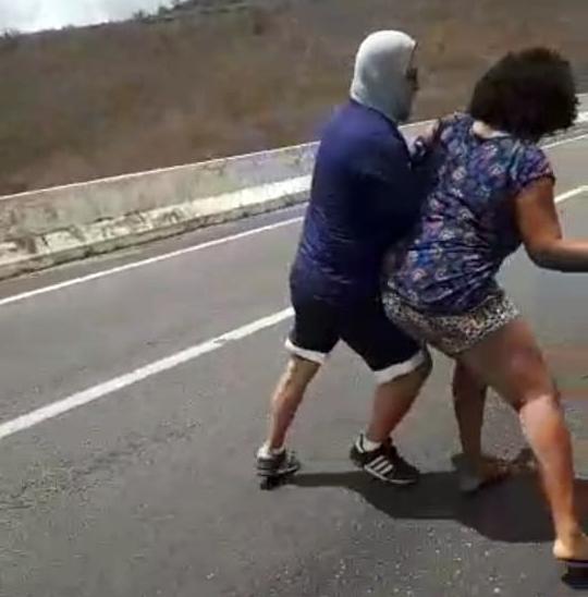 Gravatá: mulher tenta suicídio e ciclistas impedem fatalidade