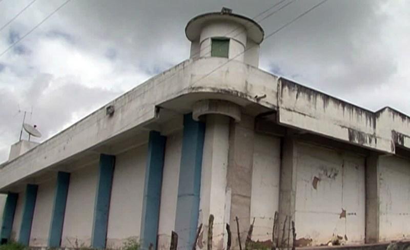 Homem morto a facadas em cadeia de Garanhuns
