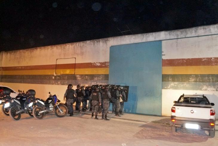Rebelião é registrada na FUNASE; 26 internos conseguiram fugir