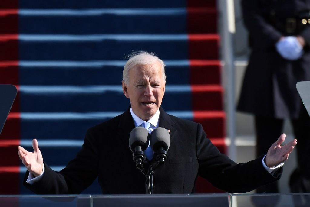 Joe Biden toma posse como presidente dos Estados Unidos; Trump Washington, com destino à Flórida