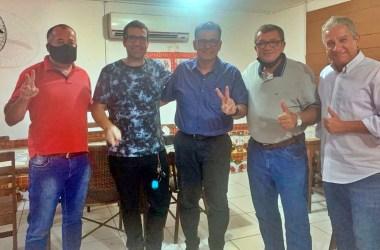 Coronel Meira se reúne com políticos de Gravatá
