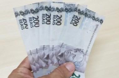Pedreiro é preso tentando passar notas falsas de R$ 200 reais no comércio