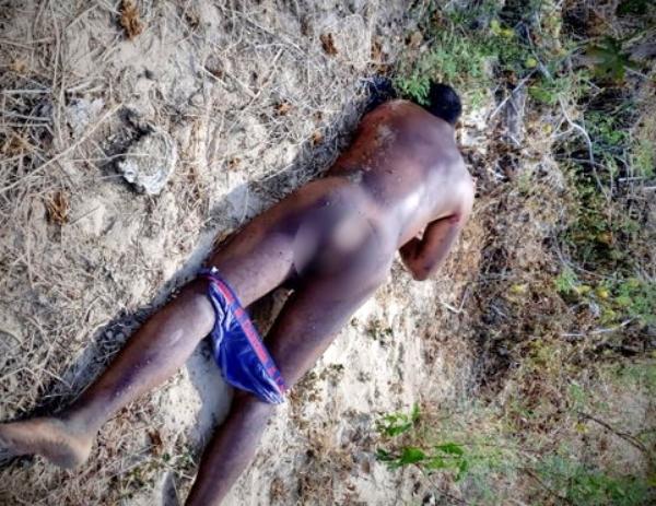 Homem esfaqueado no pescoço é encontrado nu no sítio Riachão