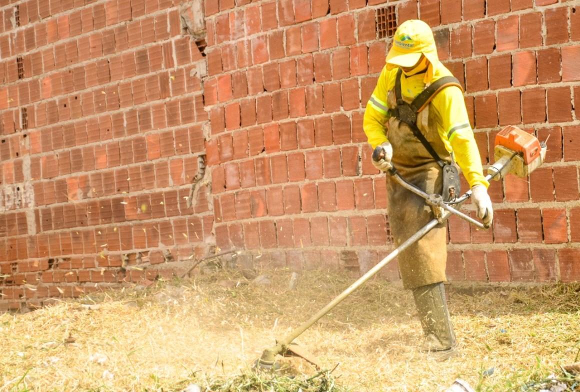 Moradores da Área Verde são contemplados com mutirão de limpeza realizado pela Prefeitura