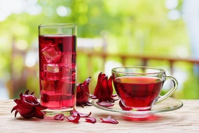 Conheça dois chás que vão te ajudar a perder peso rapidinho