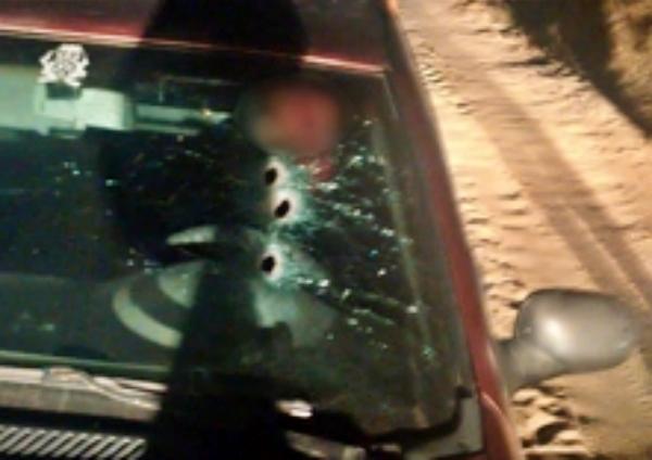 Homem executado com vários tiros no próprio carro