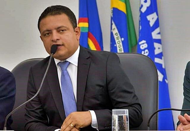 Léo do AR protocola documentação na UVP e se torna candidato oficial a presidência da entidade