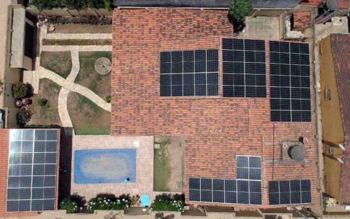 Inédito: Água Saloá é a primeira do Brasil a produzir e consumir 100% de energia solar