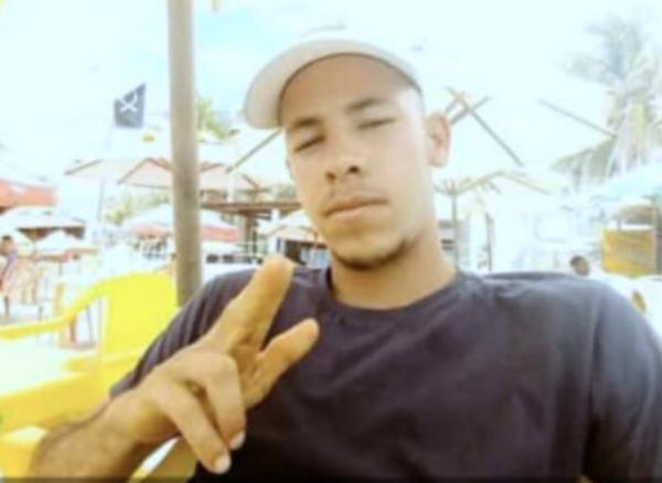 Jovem de Moreno desaparece após possível roubo de caminhão que transportava trator; veículos foram vistos em Pombos e Bezerros