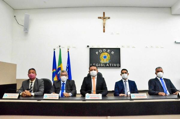 Vereadores de Gravatá pedem ao prefeito medidas para combater a disseminação do COVID-19 para o não fechamento do comércio