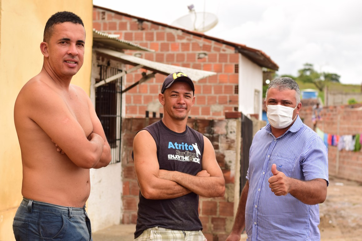 Gravatá: Gil Dantas visita bairro Porta Florada, escuta moradores e apresenta demandas na câmara