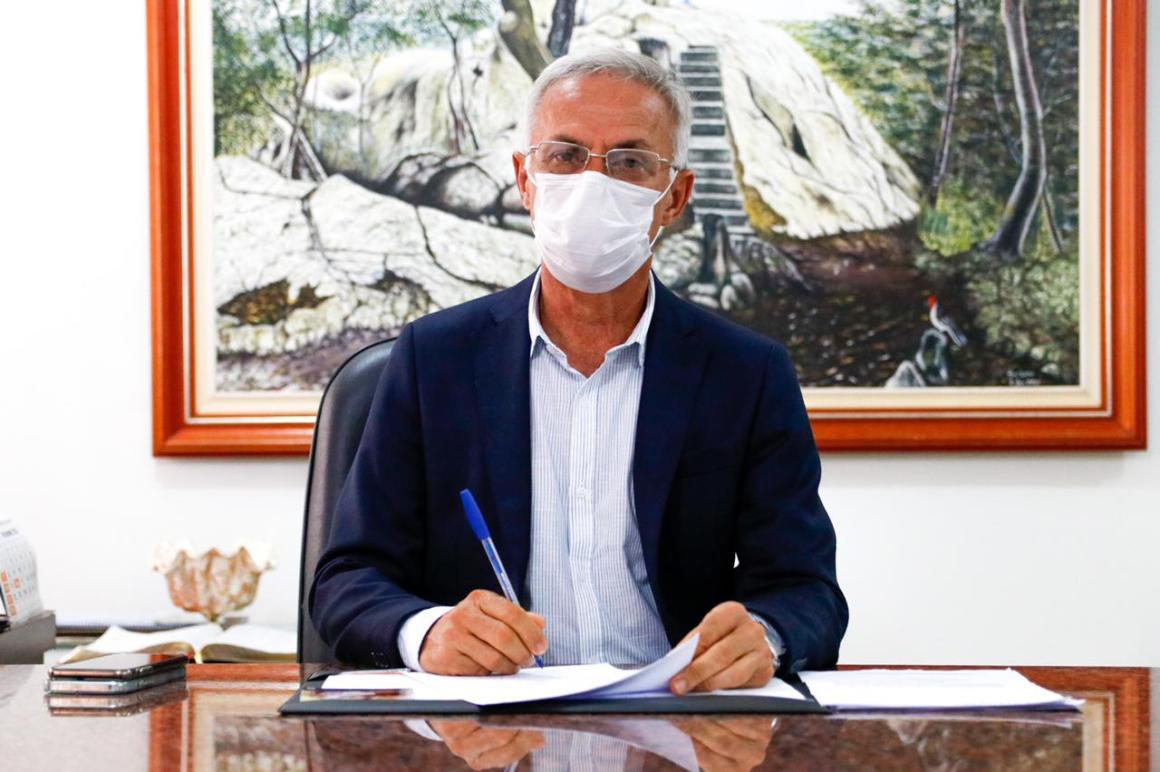 Prefeito Paulo Roberto flexibiliza horário de funcionamento do Comércio de Vitória