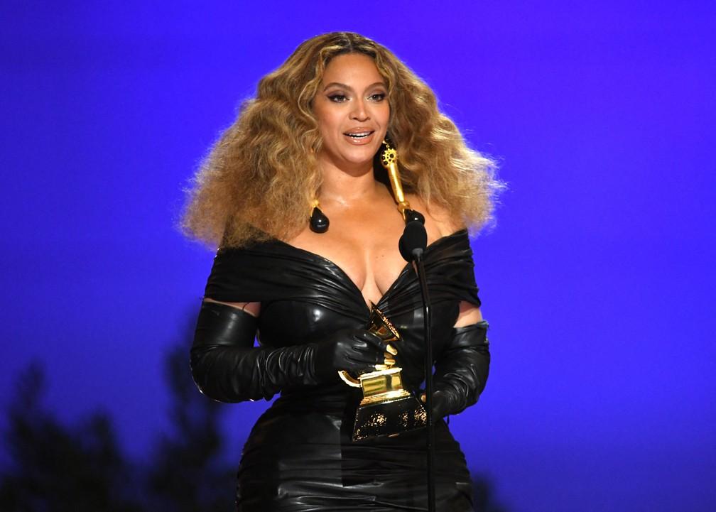 Beyoncé quebra recorde e vira a mulher com mais Grammys da história