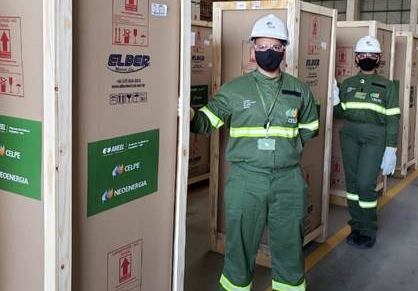 Cidades do agreste e zona da mata recebem refrigeradores para armazenar vacina da COVID-19