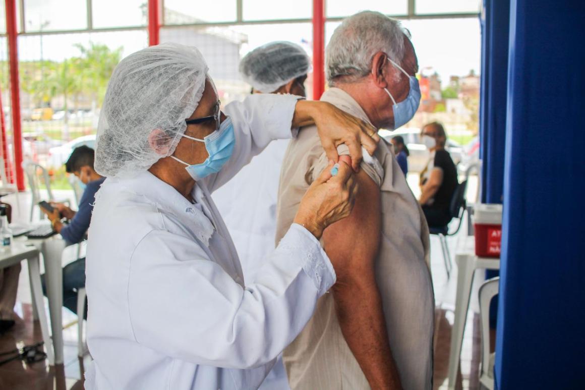 Vitória de Santo Antão amplia vacinação contra Covid-19 em idosos a partir de 63 anos nesta quinta