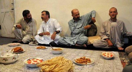 Uroczysta kolacja na zakończenie Ramadanu. (Fot. Andrzej Budnik)
