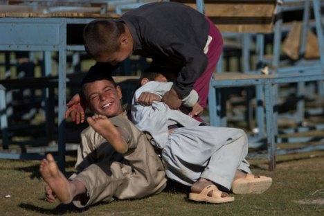 Dzieciaki w Ishkashim. (Fot. Bartek Tofel)
