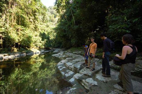 Przeprawa przez Río Samayreni. (Fot. Marco Jurado)