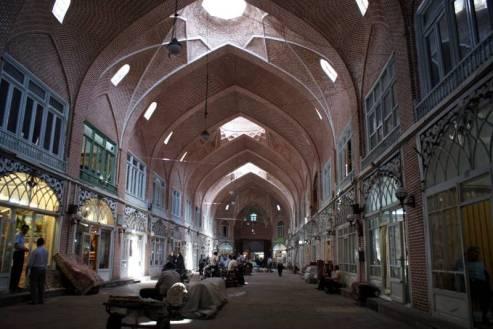 Jedna z hal bazaru w Tabrizie. (Fot. Tomek Mazur)