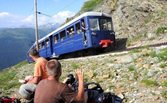 Przystanek na trasie pociągu do Orlego Gniazda. (Fot. Wiktor Rozmus)