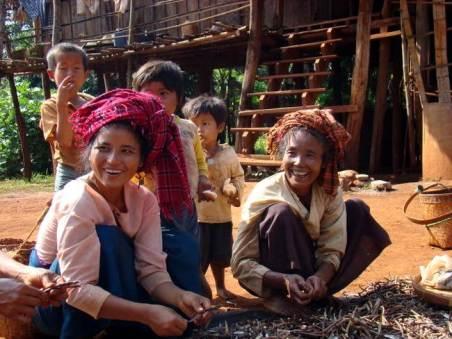Kobiety z birmańskiego plemienia
