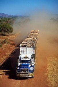 Raod train w Australii