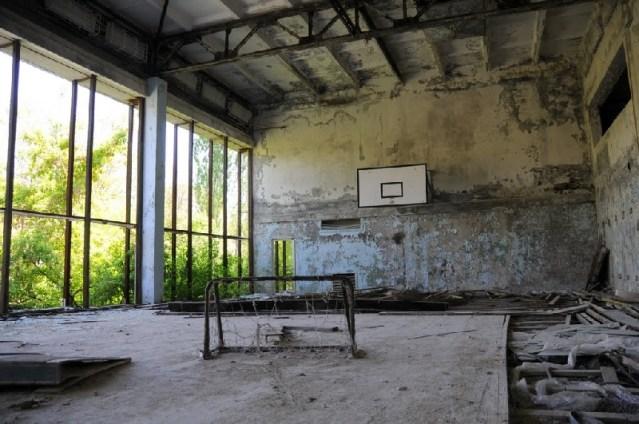Sala gimnastyczna w szkole podstawowej. (Fot. Wiktor Rozmus)