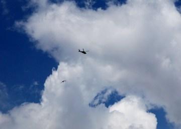 Wojskowy śmigłowiec nad Ankarą. (Fot. z archiwum Autostopem ku wolności)