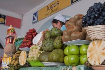 19.BOLIWIA, Sucre. Sok naturalny czy sałatka z owoców? Sok. Więcej nie uniosę. (Fot. Piotr Horzela)