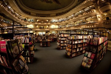 5. ARGENTYNA, El Ateneo. W 2007 roku w księgarni sprzedano blisko 700,000 pozycji – ponad milion ludzi rocznie przechodzi przez jej drzwi. (Fot. Agnieszka i Mateusz Waligóra)