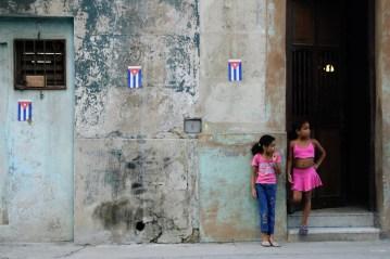 Kubańskie flagi w Hawanie.