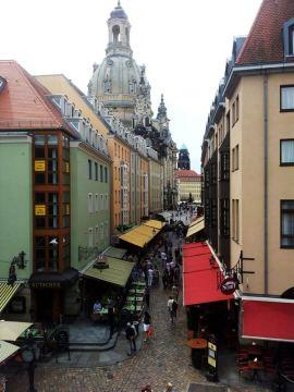 Malownicza uliczka w Dreźnie
