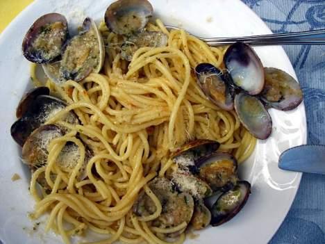Pyszne spagetti z małżami