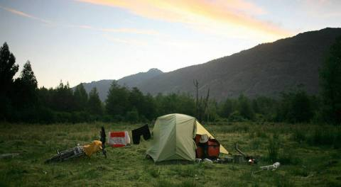 Nocleg pod namiotem w Chile