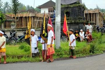 Młodzi mieszkańcy Indonezji