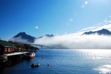 Surowy norweski krajobraz - foto