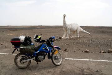 Chiński motocykl i dinozaury