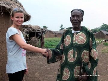 Podróż do Afryki. Powitanie przez wodza wioski w Ghanie