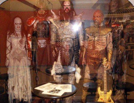 Manekiny muzyków z metalowego zespołu Lordi