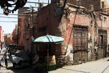 Brudne ulice w Maroku