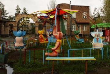 Wesołe miasteczko pamięta chyba czasy ZSRR - foto