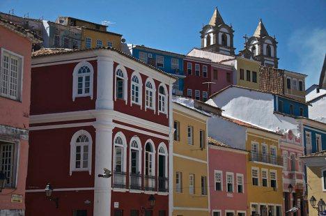 Kolorowe kamienice w Salvador da Bahia - podróż do Brazylii
