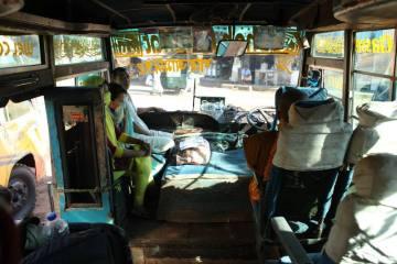 Podróż autobusem przez Bangladesz