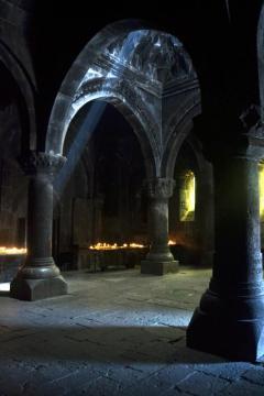 Monastyr Geghard - podróż przez Armenię