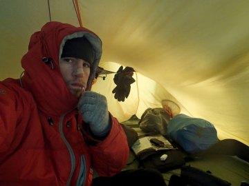 Zimowy nocleg pod namiotem