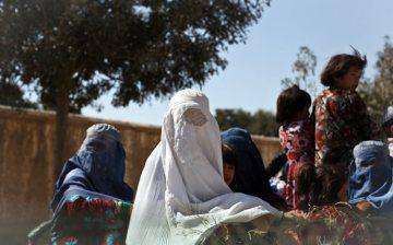 Afgańska rodzina na motorykszy