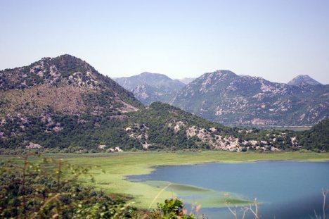 Wakacje nad jeziorem Szkoderskim na Bałkanach