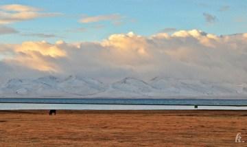 Jezioro Song Kul - jazda przez Kirgistan