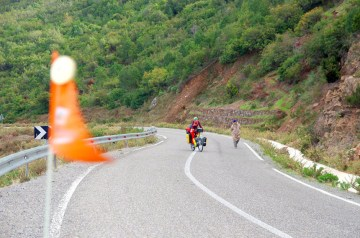 Maroko z dziećmi na rowerach