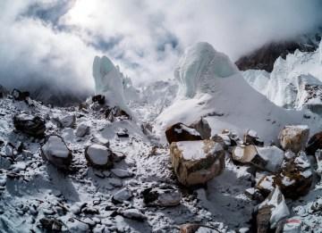 Lodowiec w Himalajach - zdjęcia Olka Ostrowskiego